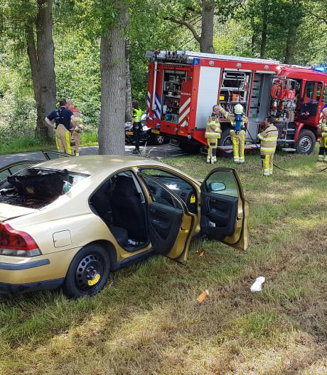 Auto vat vlam in Vilsteren