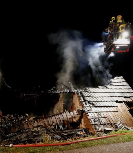 Brand in leegstaande dijkwoning in Aalst