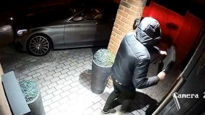 """Politie roept op: """"Neem autosleutel mee naar de slaapkamer"""""""