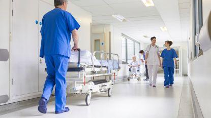 """Spoedverpleegster klapt uit de biecht: """"Daklozen en overledenen krijgen dikste factuur"""""""