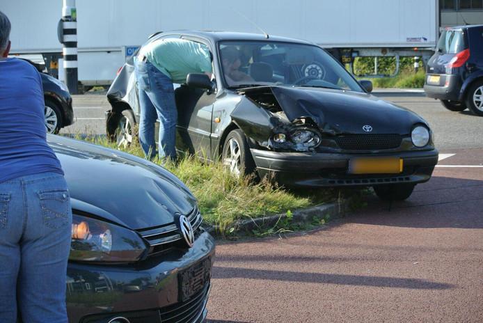Zeven voertuigen betrokken bij kettingbotsing op Oldeneelallee Zwolle.