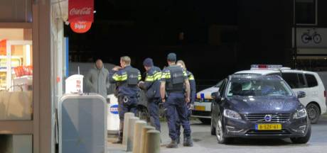 Gewapende overval in Enschede, verdachte vlucht op fiets