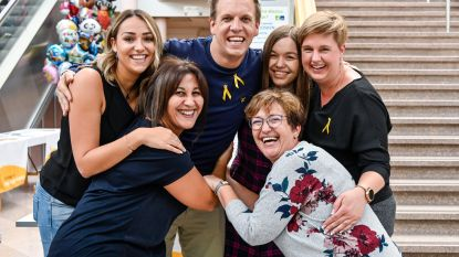 James Cooke steekt kankerpatiënten in ziekenhuis Sint-Blasius hart onder de riem