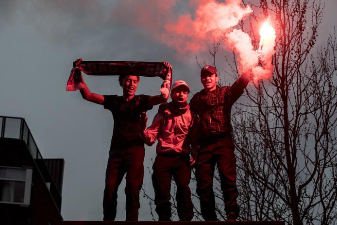 PSV-fans vieren feest in het centrum nadat de Eindhovense club voor de 24e keer landskampioen is geworden.