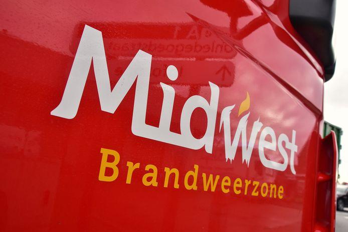 De brandweer van de zone Midwest, post Tielt, snelde naar het ongeval langs de Tieltstraat in de Dentergemse deelgemeente Markegem.