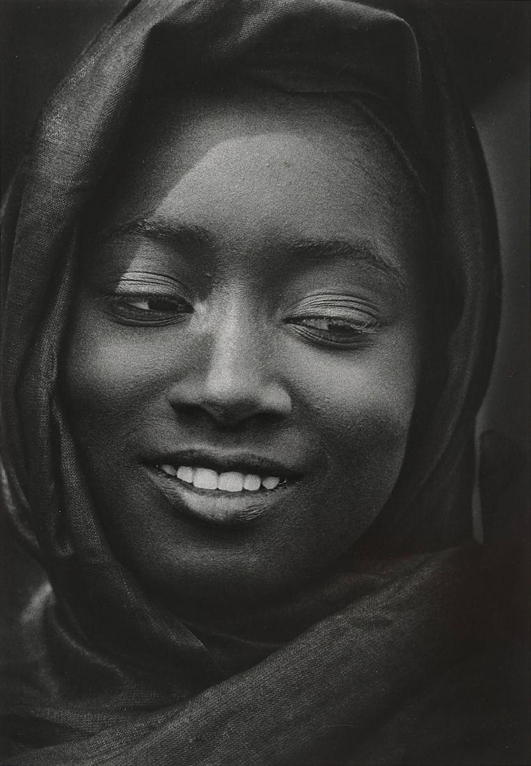 Mali, jonge vrouw, 1980, Willem Diepraam. Beeld Collectie Willem Diepraam/Rijksmuseum Amsterdam.