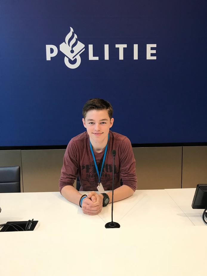 De 17-jarige David Voetberg uit Lelystad is lid van de Jongerenraad van de politie.