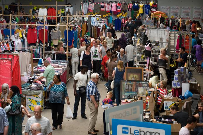 De eerste dag van de Utrechtse Bazaar, eind 2012, op de nieuwe locatie aan de Groenewoudsedijk in Papendorp
