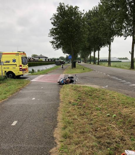 Scooterrijder gewond bij botsing met auto in Wijk en Aalburg