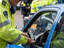 21-jarige rijdt zonder rijbewijs en met drank op door Boxmeer