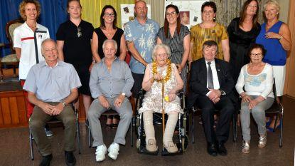 17de eeuweling in woon-zorgcentrum De Reiger: Leonie viert 100ste verjaardag