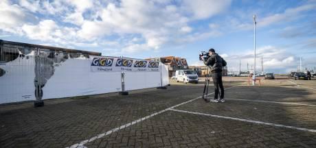 Jongeren Urk belagen bewaker van NOS-cameraploeg: man krijgt bijtende vloeistof in ogen