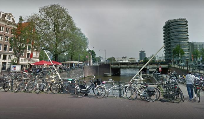 Ter hoogte van de Haarlemmersluis kwam het tot een confrontatie.