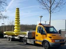 Iconische 'gele dildo' na jaren van schoolplein gehaald