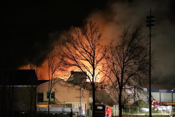 Grote brand bij Jonkers Fris in Heusden