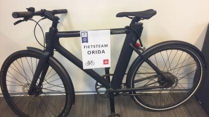 Automobilisten blijven fietsers inhalen in fietsstraten: fietsteam politie gooit ze op de bon