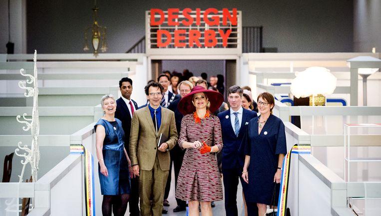 Koningin Maxima bezoekt de tentoonstelling Design Derby in Museum Boijmans Van Beuningen tijdens de officiële opening op 19 juni. Beeld anp