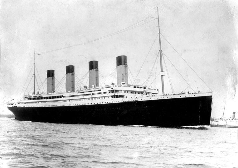 De Titanic, waar het orkest doorspeelde toen het schip op een ijsberg liep. Beeld null