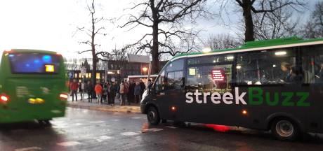 Snelbus 387 vol: vijftien passagiers op station Gorinchem hebben het nakijken