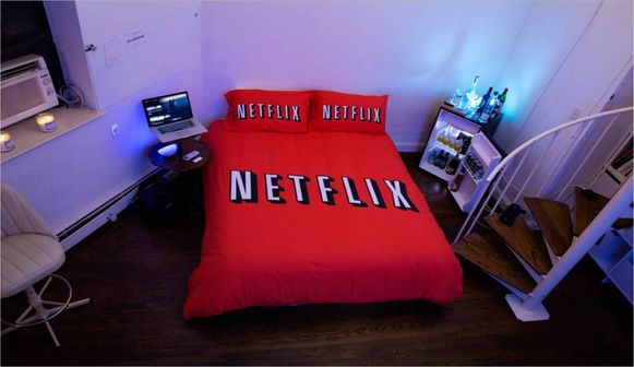 Galle verhuurt in Manhattan de 'Netflix and Chill'-kamer via AirBnB.