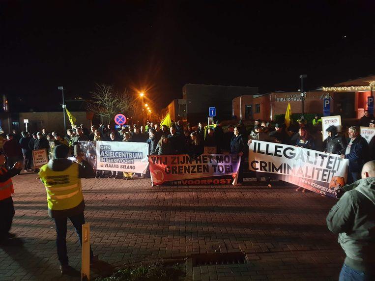 De protestactie tegen de komst van een asielcentrum bracht heel wat volk op de been.