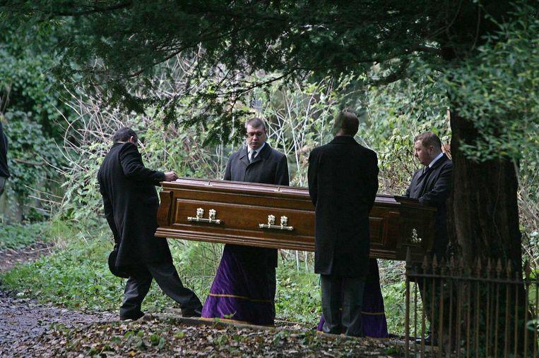 7 december 2006: Litvinenko wordt begraven in Londen. Beeld afp