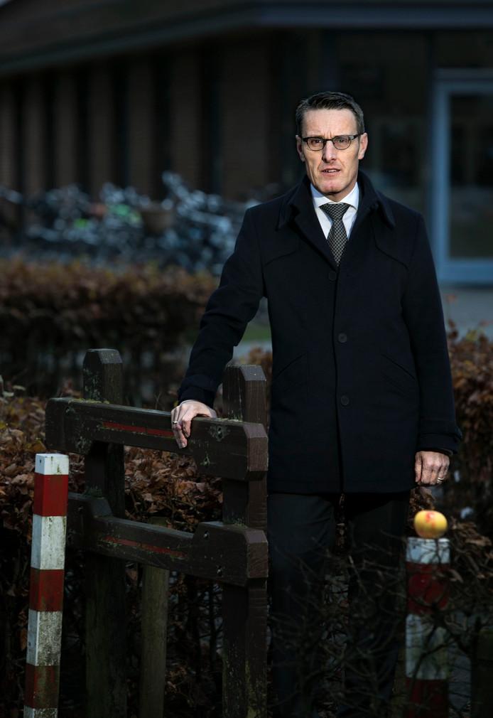 Frank van der Meijden burgemeester Laarbeek in Mariahout