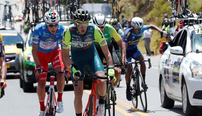 Etienne van Empel in actie tijdens de Ronde van Colombia.