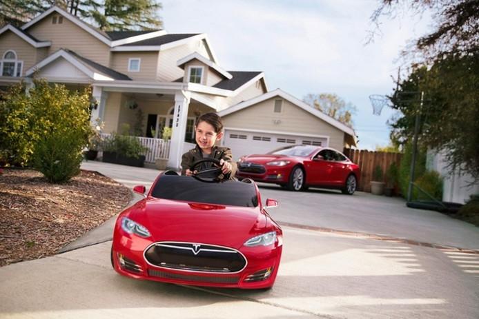Wordt de mini-Tesla een elektrische speelgoedauto of is het een serieus plan voor een eenpersoons stadsauto?