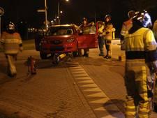 Bestuurster ramt verkeerszuil in Tiel