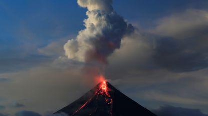 Actiefste vulkaan op de Filipijnen spuwt weer assen