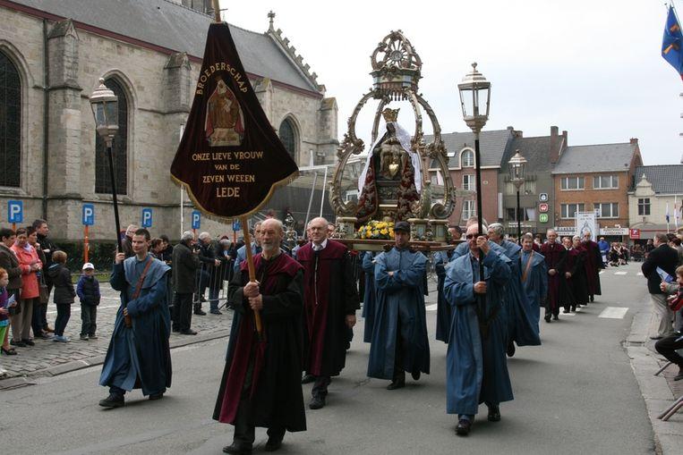 #Maria vervangt de traditionele Mariale Processie.