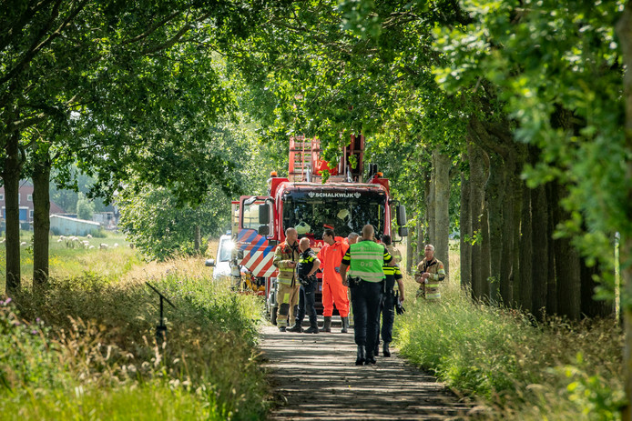Het Marckenburgsepad is afgezet door de hulpdiensten na de vondst van een lijk.