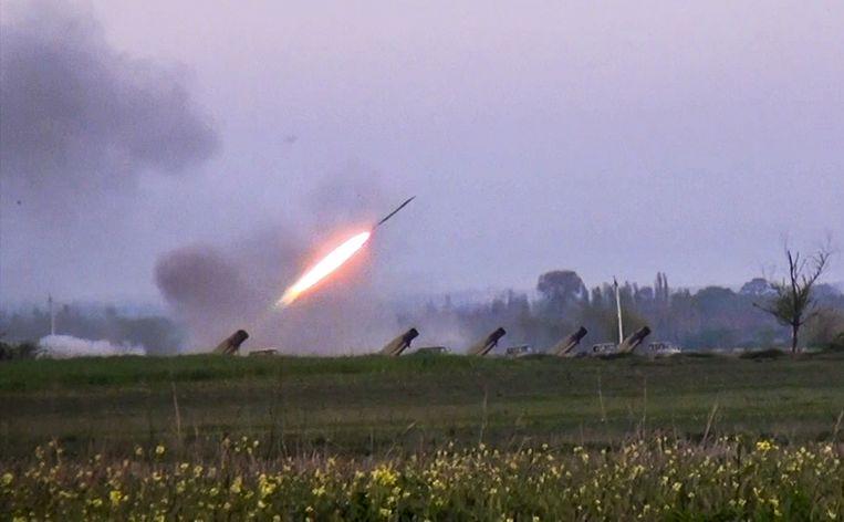 Een raket wordt afgevuurd in Azerbeidzjan. Beeld ap