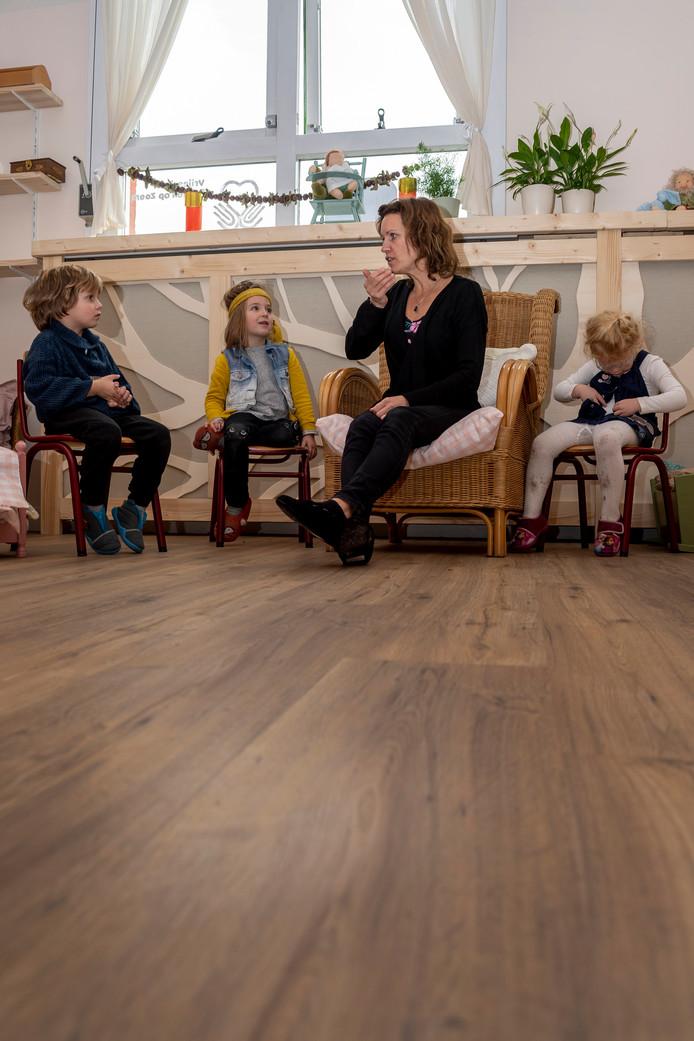 Op basisschool de Krabbenkooi is met een kleine klas kleuters al voorzichtig gestart met de Vrije School.
