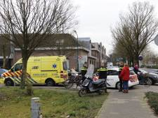 Scooterrijder gaat onderuit in Boxmeer en moet naar het ziekenhuis