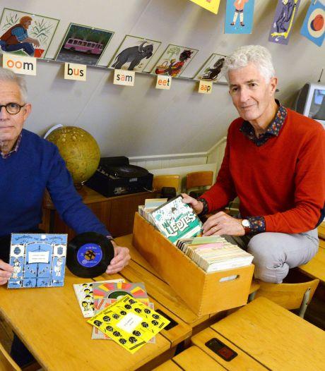 Educatorium Ootmarsum maakt blinde verzamelaar blij