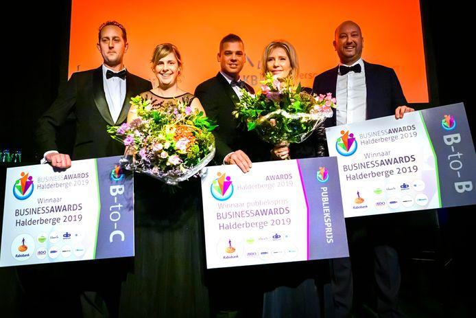 De prijswinnaars van de Business Awards Halderberge v.l.n.r. Willem-Jan en Mariska Frijters, Benny Rademakers, Patricia en Dion Beerens.