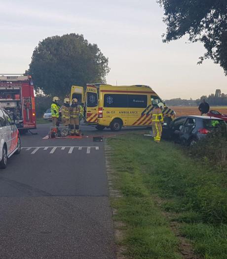 Gewonde bij botsing tussen twee auto's in Harreveld