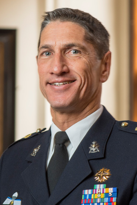 Generaal Mac Mootry is nieuwe commandant Korps Mariniers