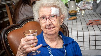 Elisabeth Vermont (103) gehuldigd als oudste inwoonster van Moorslede
