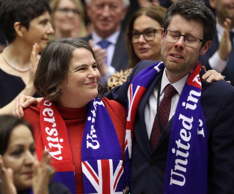 Het verdriet was gisteren groot bij een aantal Europagezinde Britse parlementariërs. Beeld EPA