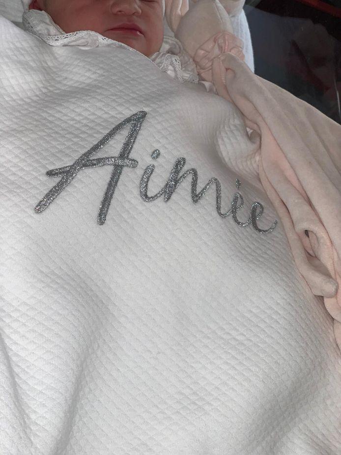 Wout Bru en Natassia verwelkomen dochtertje Aimée.