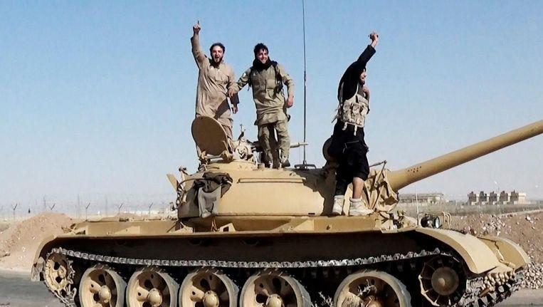 Jihadisten van Islamitische Staat in Raqqa. Beeld Hollandse Hoogte / Zuma Press