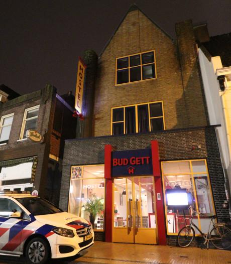 Man (48) uit Vught nog twee weken vast na overval op hostel in Groningen