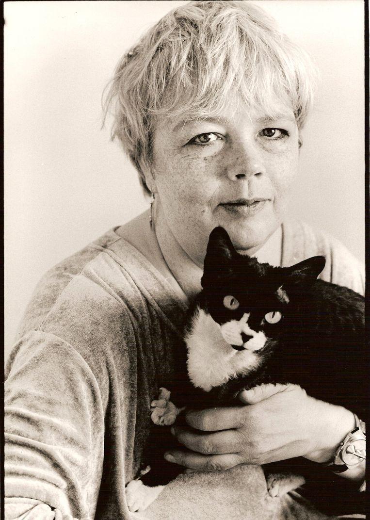 Patty met een van haar geliefde poezen. Beeld Marlies Kieft