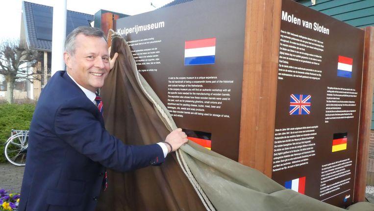 Commissaris van de Koning Arthur van Dijk in actie. Beeld Hans van der Beek