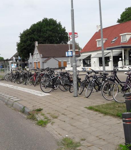 Arriva knipt bij Heesch in buslijn 90 Grave-Den Bosch