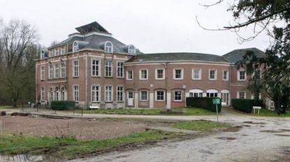 Kasteel met 35 kamers op 4,2 hectare verkocht voor amper 546.200 euro