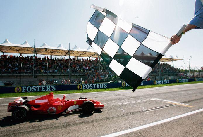 Michael Schumacher won in 2006 op Imola. Dit keer zullen fans niet aanwezig zijn.